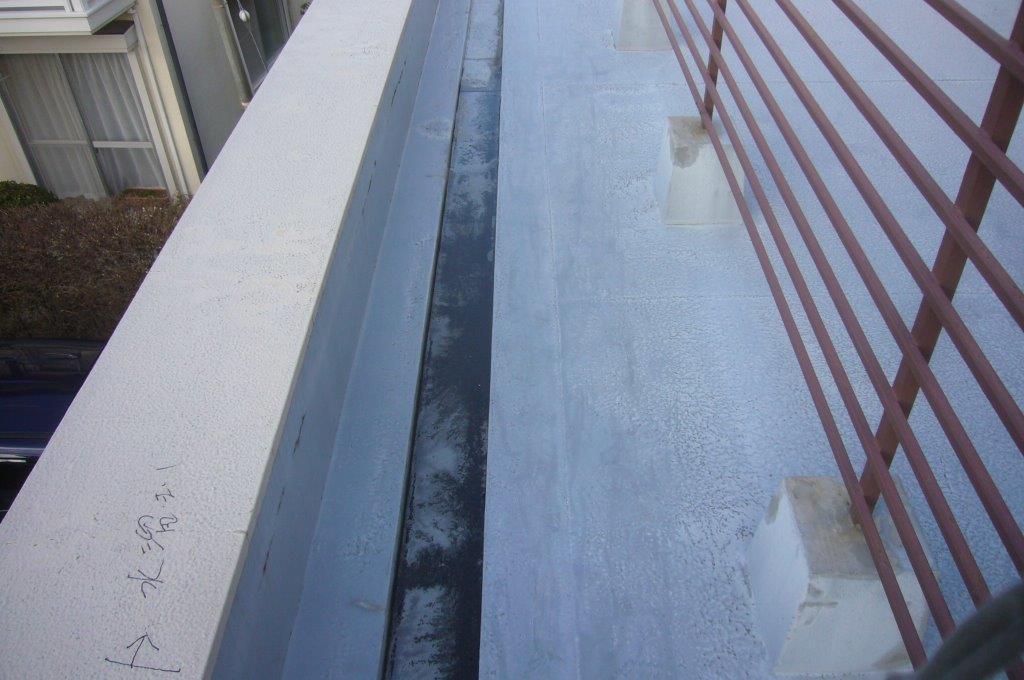 ウレタン防水 劣化 側溝 詰まり