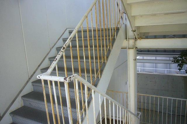 階段鉄部の錆 経年劣化