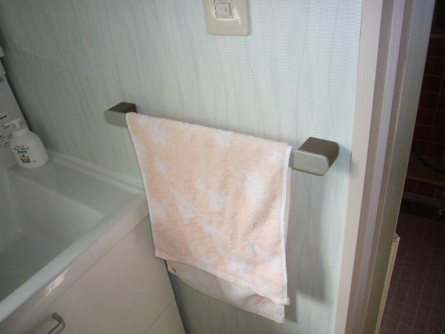 洗面所タオルかけ