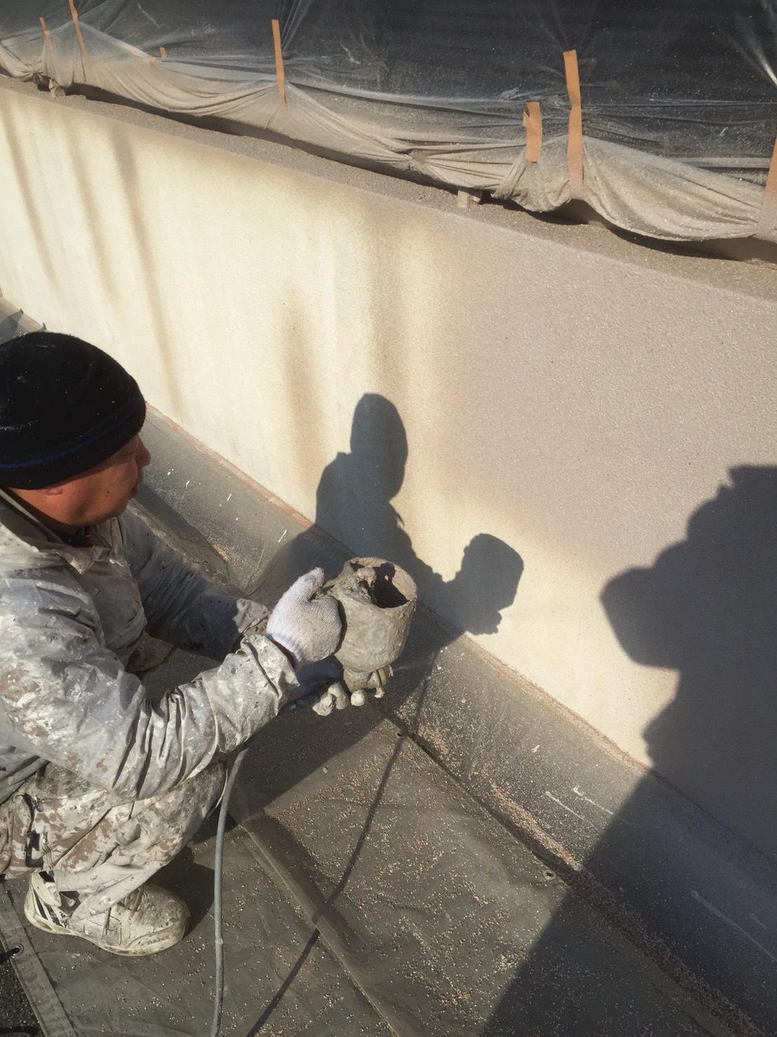 塀吹付塗装