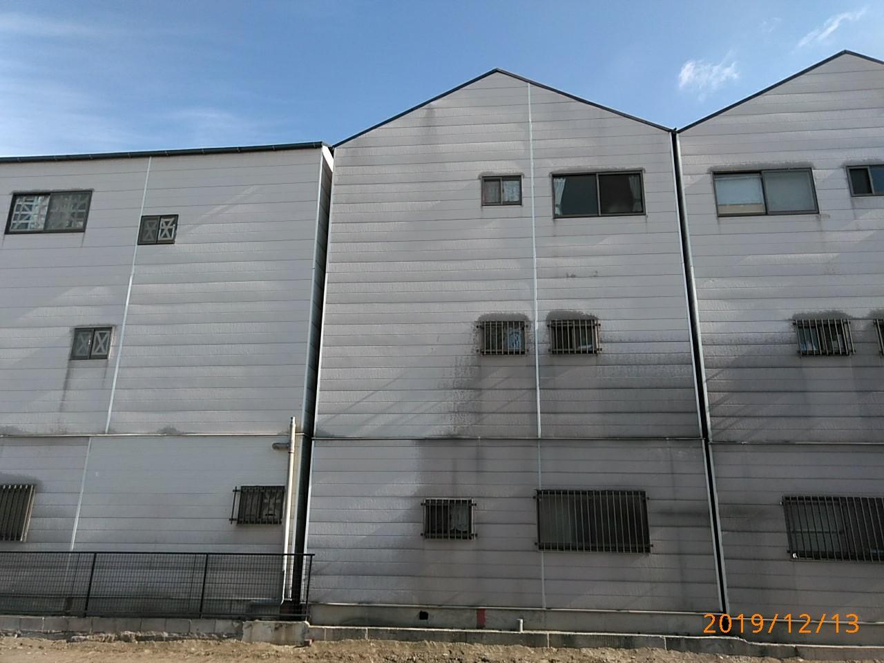 裏面の外壁