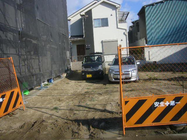 隣の空き地借用