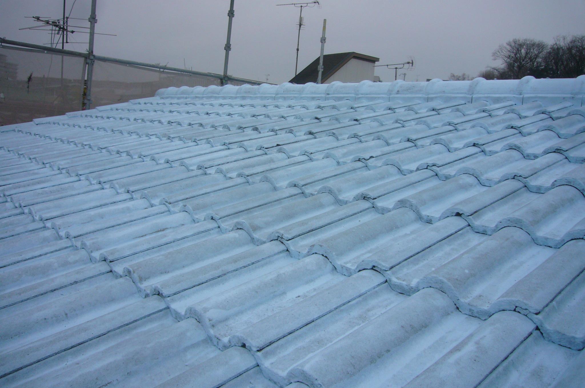 屋根遮熱塗料下塗り完了