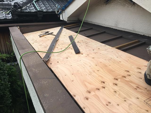 コンパネ 野地板 屋根葺き替え カバー工法