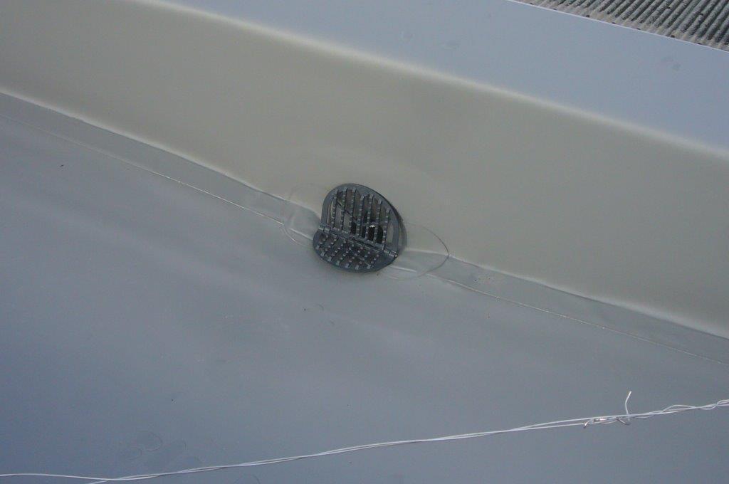 屋上防水 横型ドレン 改修ドレン
