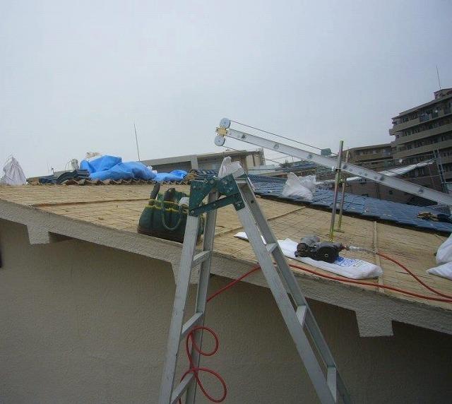 屋根工事 瓦撤去