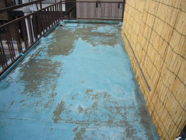 バルコニー防水塗膜劣化