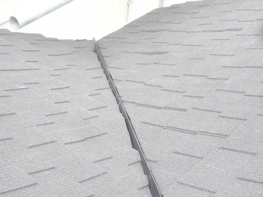 谷樋 ガルバリウム鋼板 屋根工事