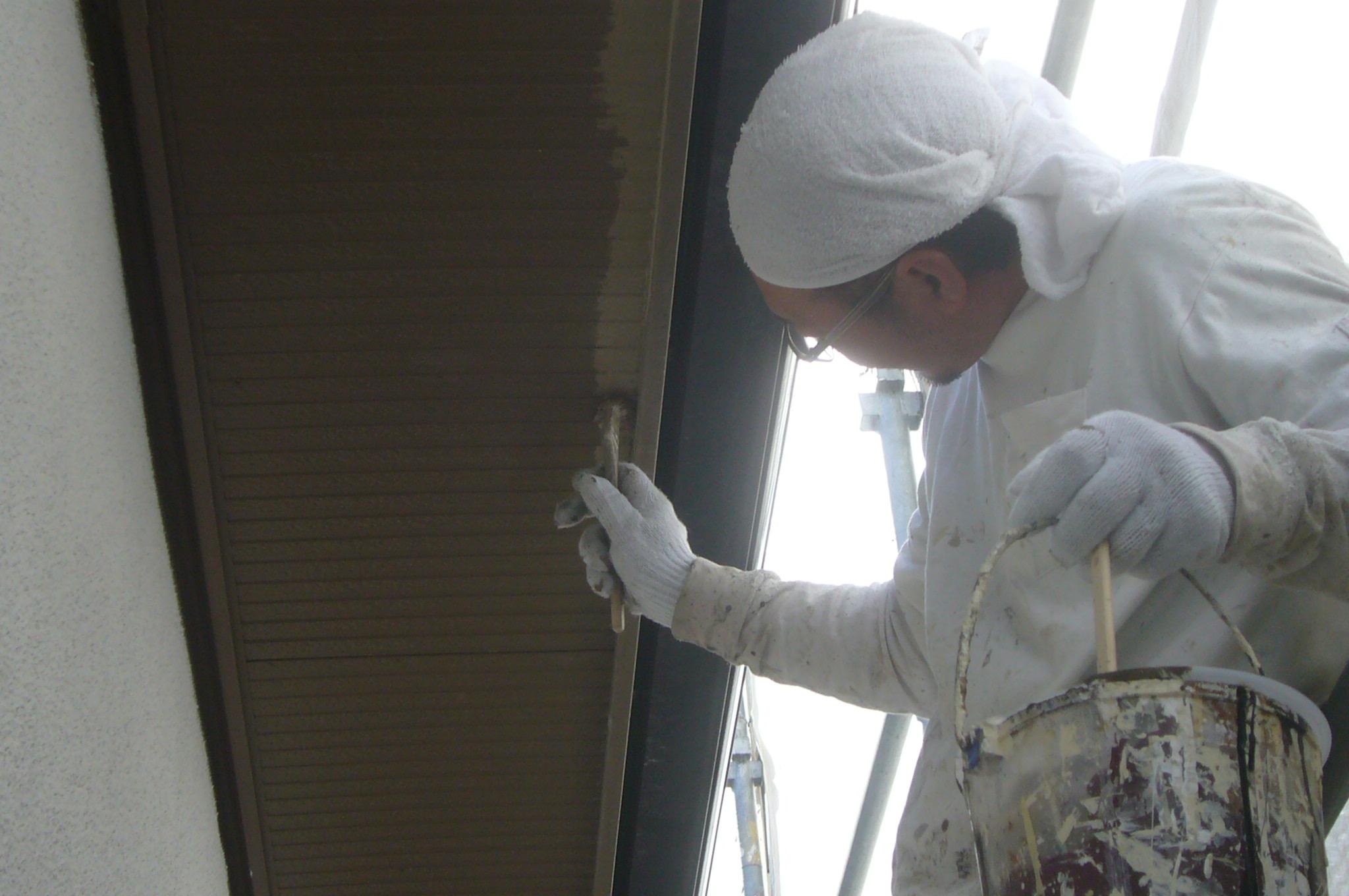 軒裏刷毛塗り