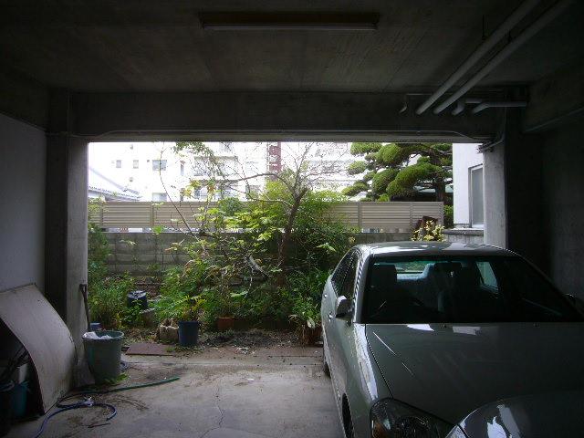 車庫の奥に増築