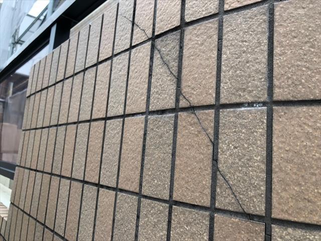 外壁タイル ひび割れ