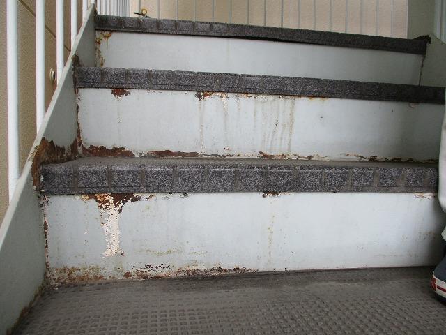 鉄骨階段 錆 塗膜剥離 劣化