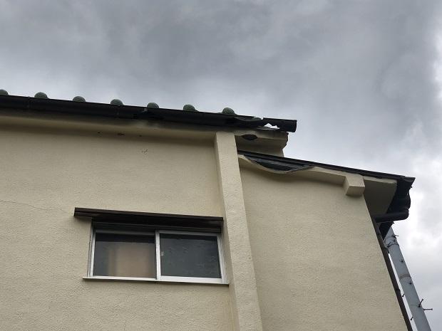 西淀川区にて台風被害に見舞われた外壁と屋根