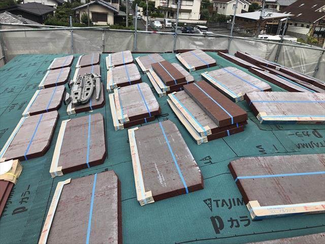 屋根葺き替え ケイミュ―社 コロニアルクァッド スレート屋根材