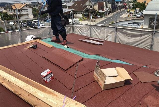 屋根葺き替え コロニアルクァッド 施工中 貫板取付