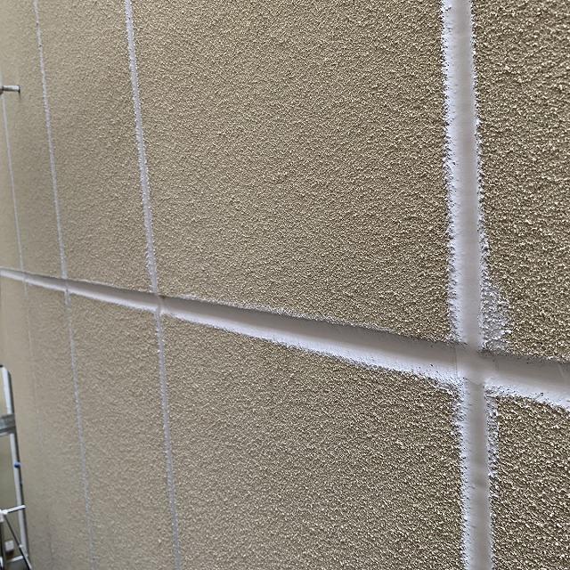 外壁塗装工事 下地調整 目地シーリング増し打ち