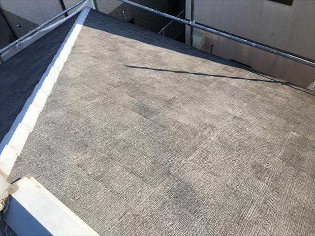 屋根 高圧洗浄前