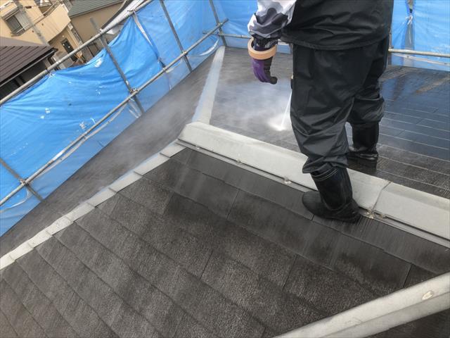 屋根 高圧洗浄作業