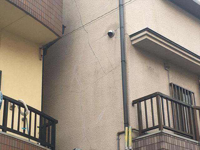 雨漏れ クラック 外壁