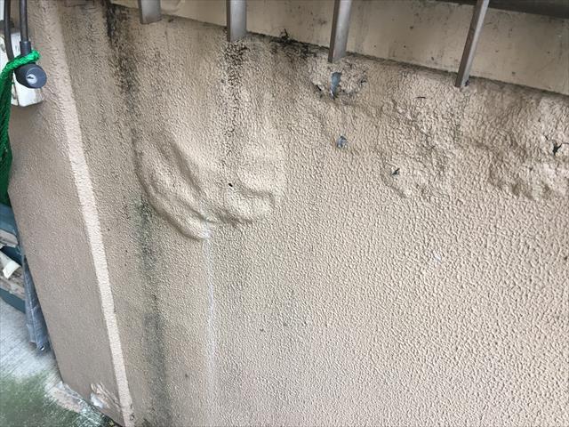 階段壁 雨漏れ