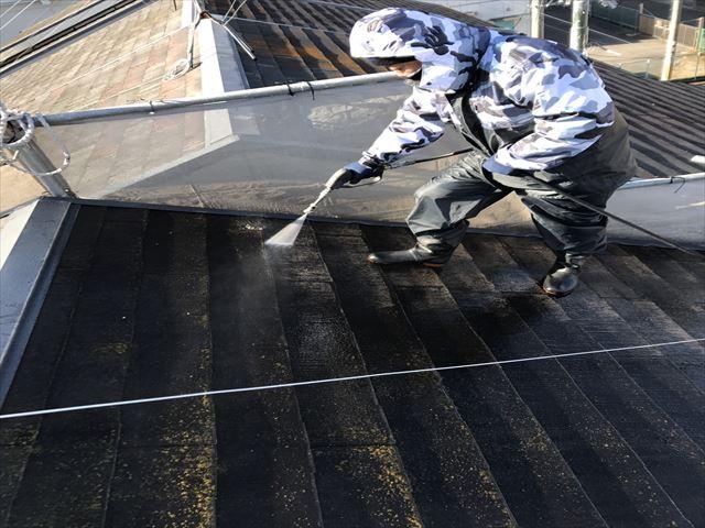 屋根塗装 高圧洗浄工程
