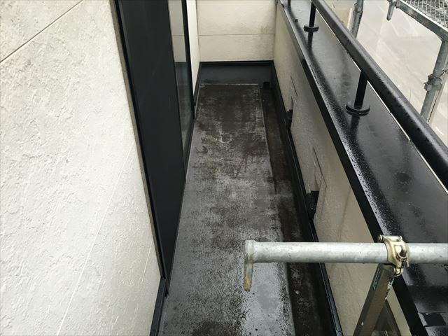 バルコニー 防水工事 洗浄前