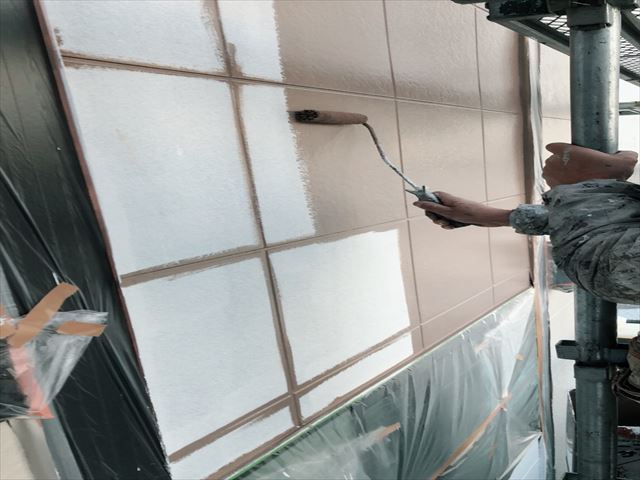 サイディング外壁 パーフェクトトップ 上塗り 1回目