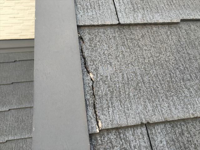 カラーベスト屋根 割れ