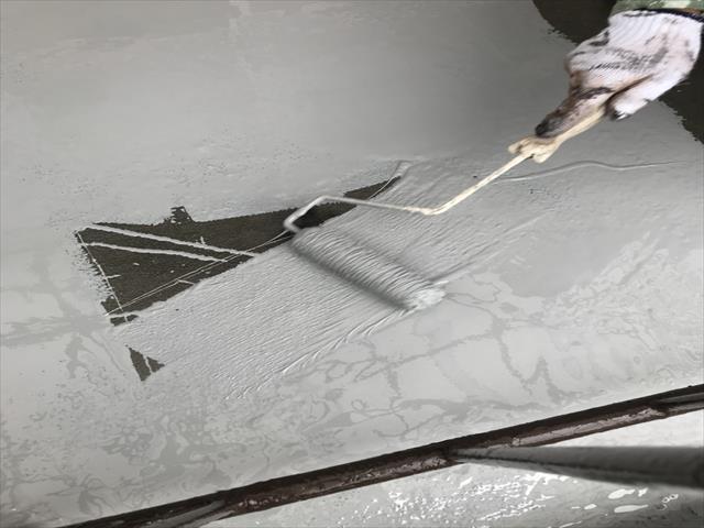 ウレタン防水材 1回目塗布