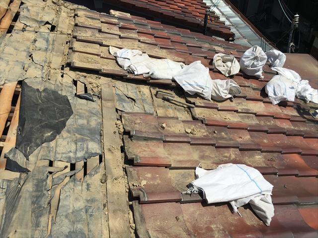 屋根葺き替え 瓦撤去