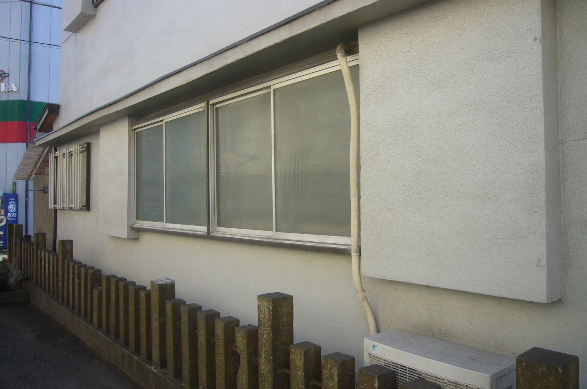 窓アルミサッシ