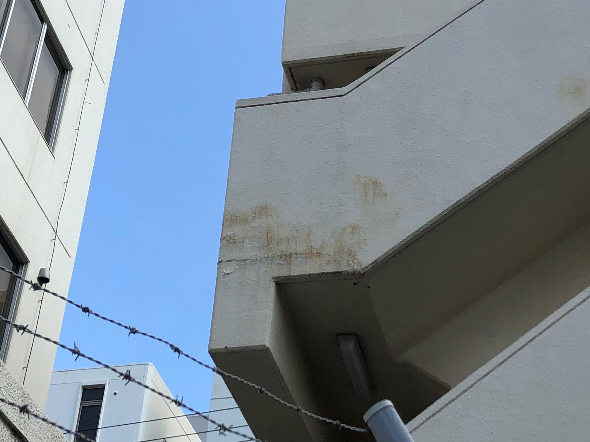 吹田市にて、台風被害にあわれたマンションの現場調査の様子の続きです。