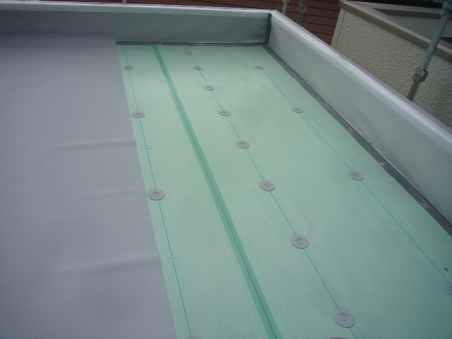 屋上防水絶縁シート貼り