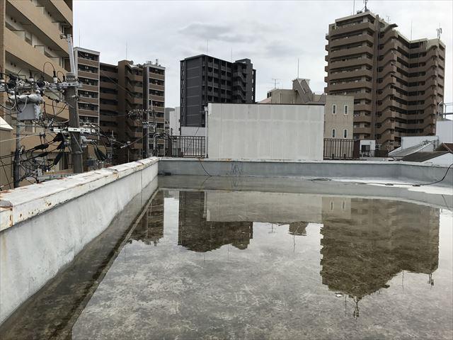 屋上水溜まり